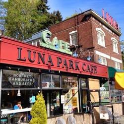 Luna Park Cafe logo