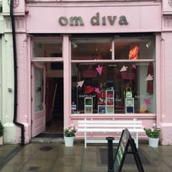 Divas clothing store Girls clothing stores