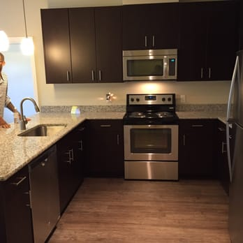 Victory flats apartments 127 photos 13 reviews for Beaverton kitchen cabinets reviews