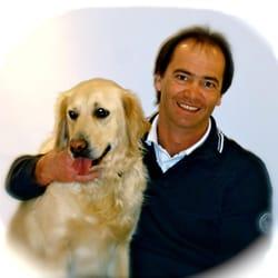 Dr. Peter Baumann mit Momo