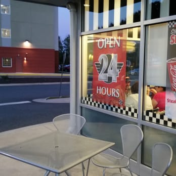 Steak n shake fast food fredericksburg va yelp for Steak n shake dining room hours
