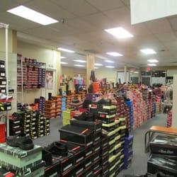 ORiental TRaffic Shoe Stores in Hong Kong - SHOPSinHK