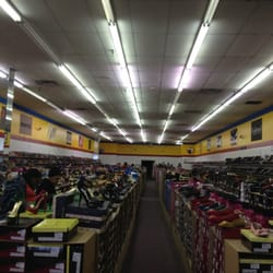 Big N Little Shoes - Shoe Stores - Mount Greenwood - Chicago, IL