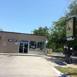 West lynn corner store tante emma laden clarksville for Elite motors clarksville tn