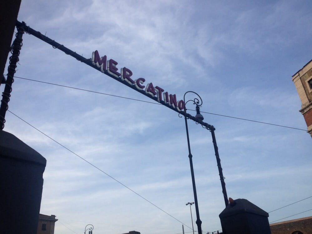 Mercatino dell usato vintage second hand clothing for Mercatini usato roma