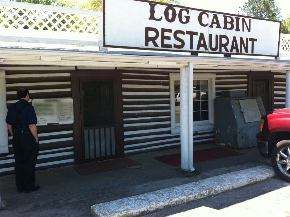 Log cabin restaurant restaurants 4093 fairburn rd for Log cabin cafe