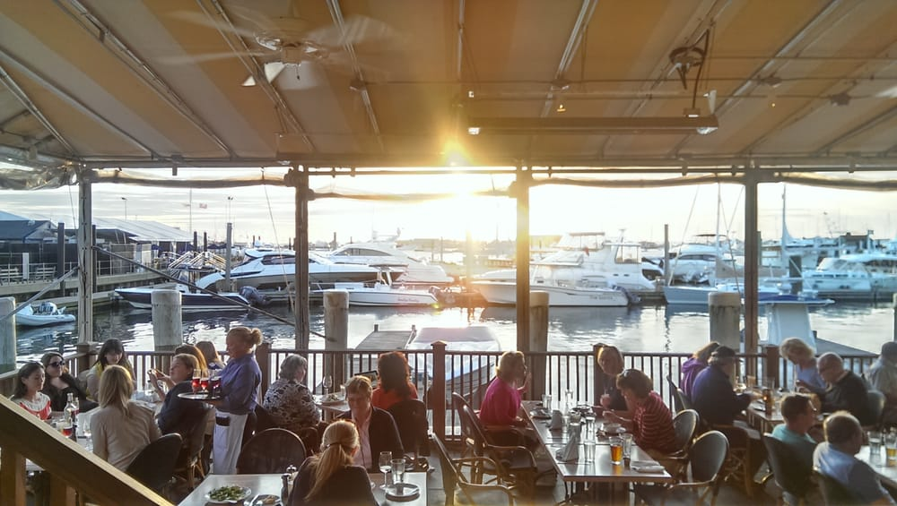 The mooring 627 photos seafood restaurants newport for Fish restaurants near me now