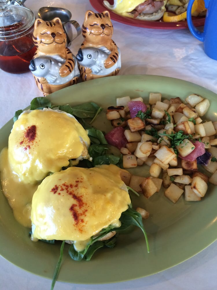 Veggie Benedict With Spinach And Avocado So Good Yelp