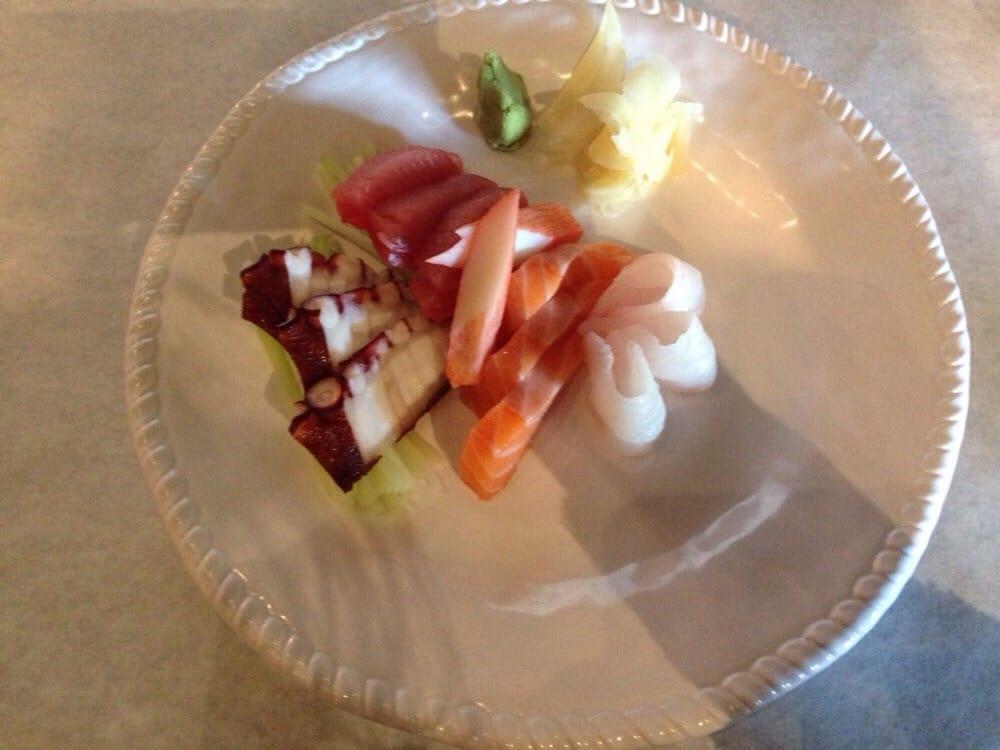 Penn ave fish company 171 foton sushi strip district for Penn ave fish co