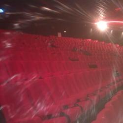Gaumont Wilson - Toulouse, France. La grande salle est agreable!