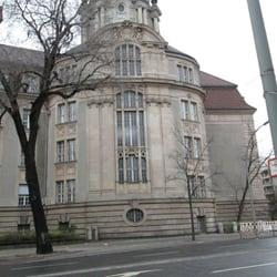Das Gericht von der Seite
