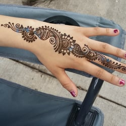 Unnatizart tattoo the loop reviews yelp for Where can i get a henna tattoo near me