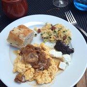 Victor Café - Marseille, France. Ne pas hésiter à se resservir et à tout goûter