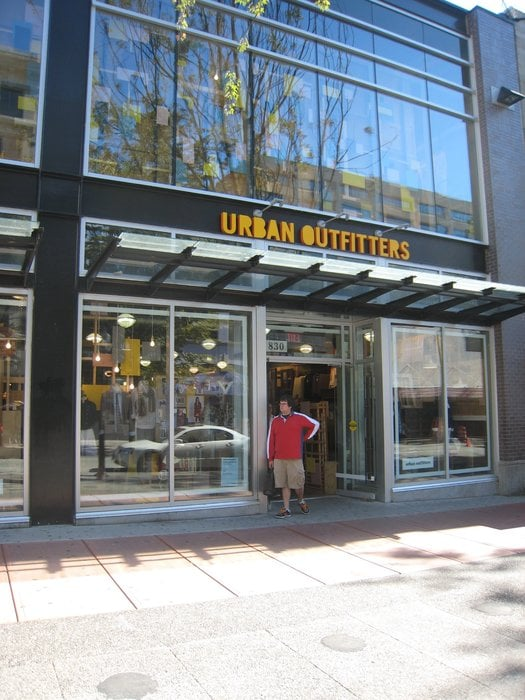 This Urban Outfitters offers a large variety of things and is very spacious! Along with spacious, it is very organized and has very nice displays. If you're looking for an Urban Outfitters in the area with selection this is the one for you!/5(49).