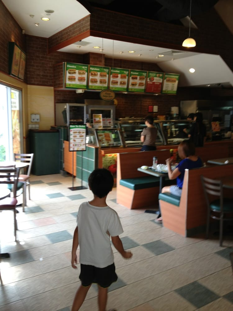 fast food industry in singapore This report aims to analyze and evaluate healthier alternatives and their  profitability in the fast food industry method of research includes getting primary  data.