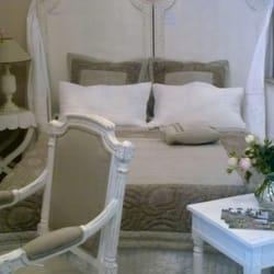 camille bertrand 11 photos magasin de meuble saint r my de provence bouches du rh ne. Black Bedroom Furniture Sets. Home Design Ideas