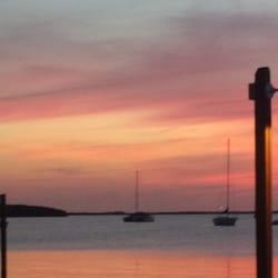 Snook's Bayside Restaurant - Sunset at Snooks - Key Largo, FL, Vereinigte Staaten
