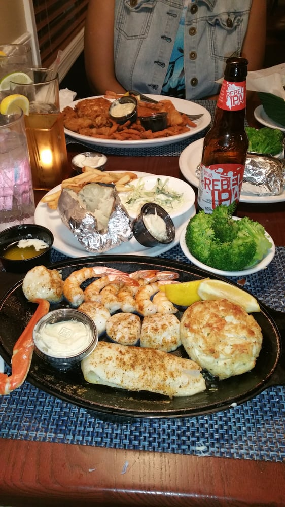 Traders seafood steak and ale 17 photos seafood for Steak and fish restaurants near me