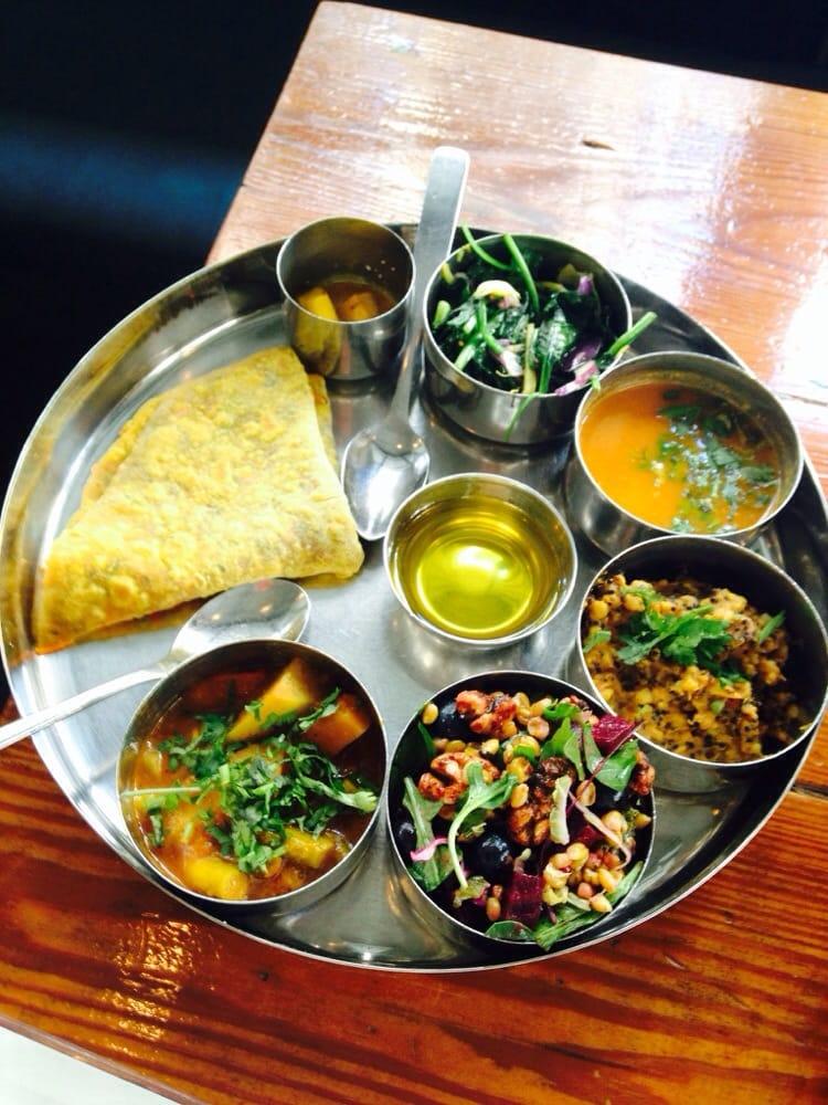 Pondicheri Cafe: Lunch Thalis
