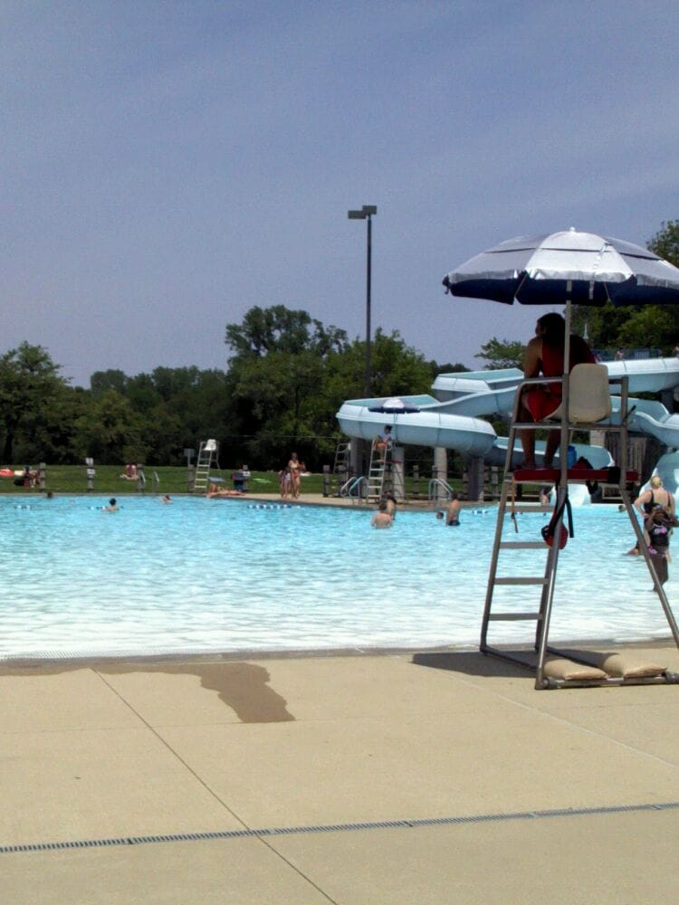 Whealan Pool Aquatic Center 12 Photos Swimming Pools Norwood Park Chicago Il United