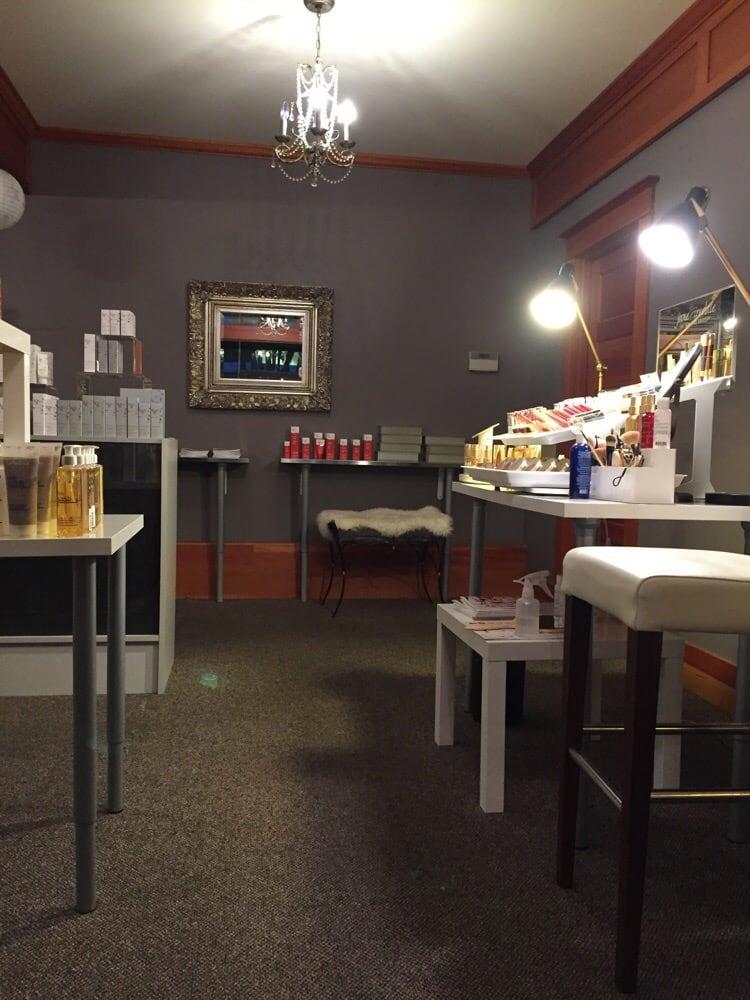 High maintenance skincare studio 18 photos spa for Salon seattle