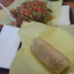 Burrito Express - The Nacho Deluxe w/beef meat and Pork,bean and cheese burrito!!! - Pasadena, CA, Vereinigte Staaten