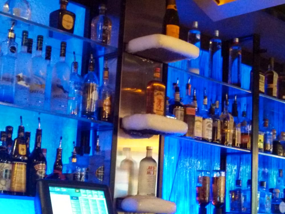 Bellevue (OH) United States  city photos gallery : ... & Spirits Bellevue, WA, United States. Iced shelves at the bar