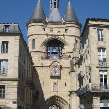 La grosse cloche 30 photos lieu b timent historique for Appartement bordeaux grosse cloche