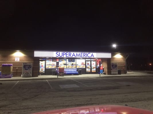 Welcome to SuperAmerica # Summit Avenue St. Paul Park, MN