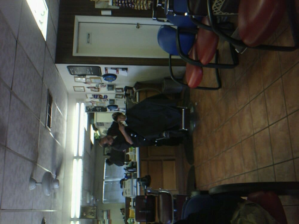 Manuel's Barber Shop: 1355 W 16th St, Yuma, AZ
