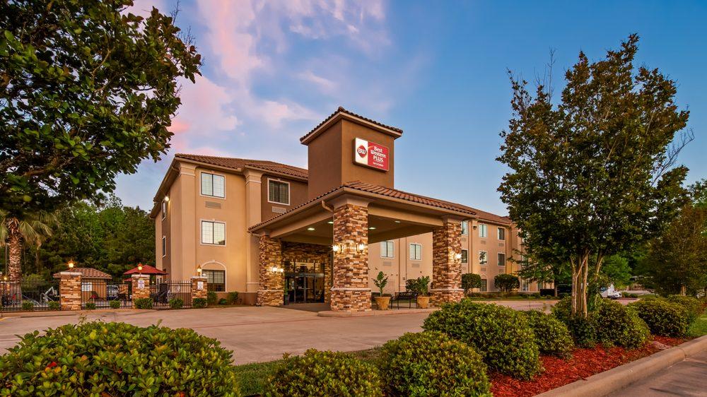 Best Western Plus Crown Colony Inn & Suites: 3211 S 1st St, Lufkin, TX