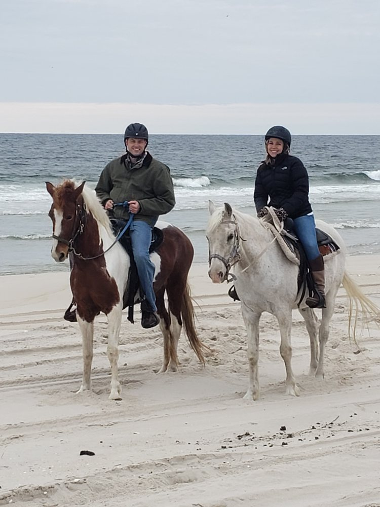 Breezy Meadow Equestrian Centre: 49 Driftway Rd, Howell, NJ