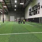 0813e4785be75 The Futbol Factory - CERRADO - 16 fotos y 21 reseñas - Fútbol - 2390 ...