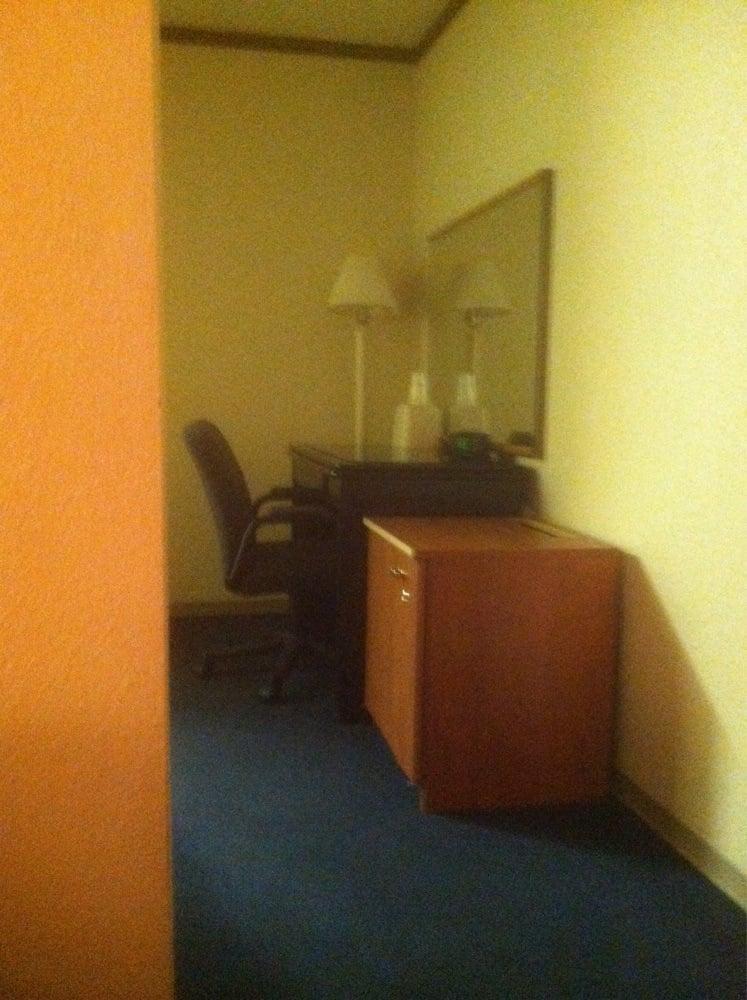 Family Motor Inn Hotels 209 N Service Rd W Sullivan