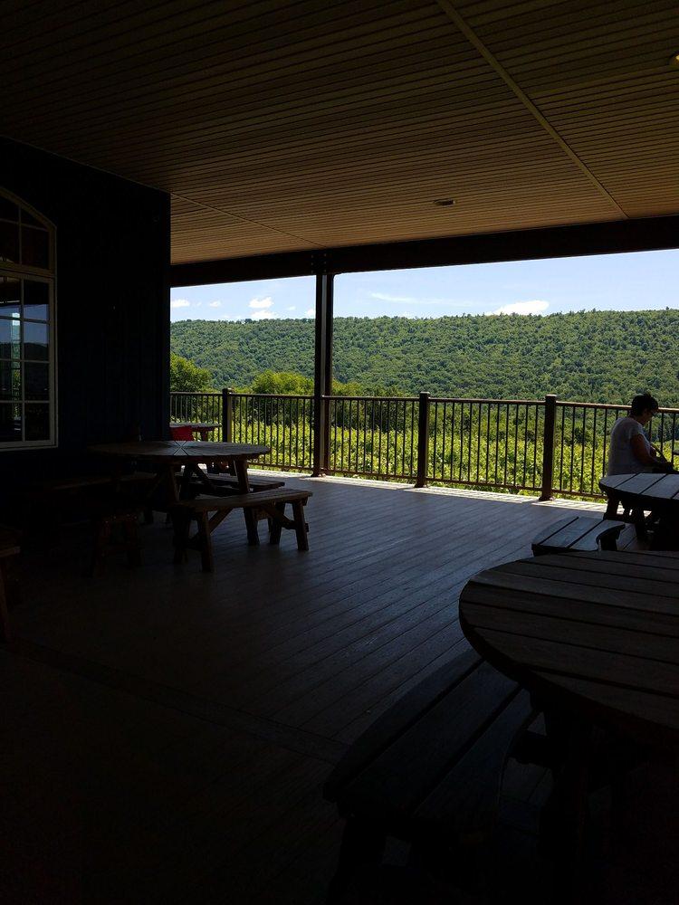 Benigna's Creek Vineyard & Winery: 1585 Ridge Rd, Klingerstown, PA