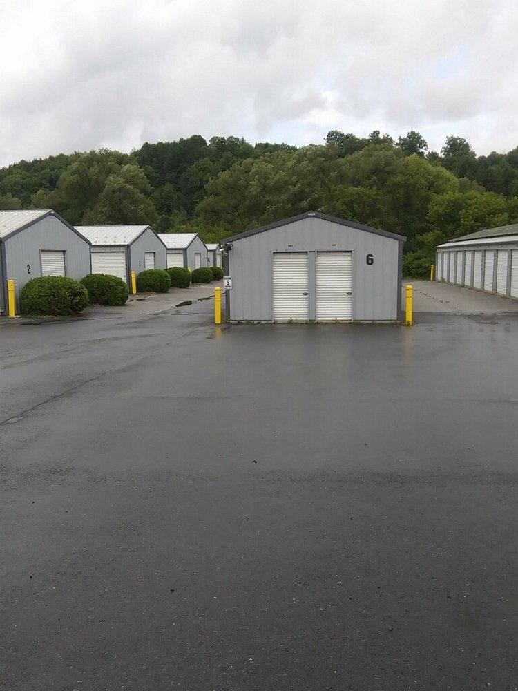 Linbrooke Storage: 933 S Barre Rd, Barre, VT