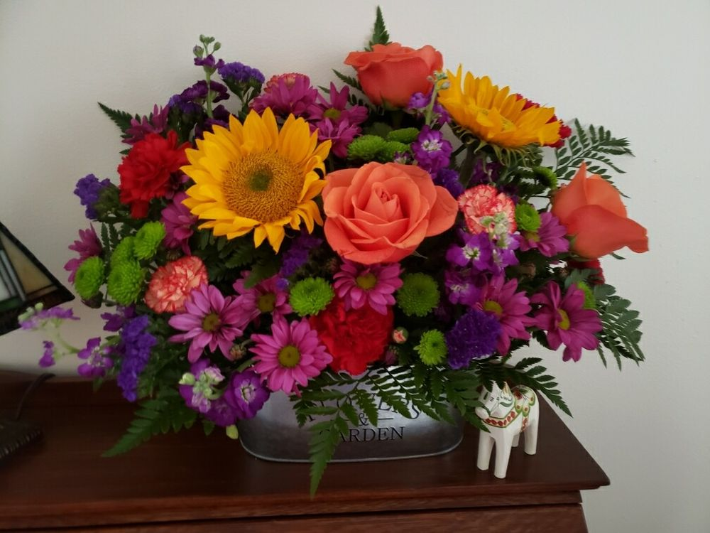 Antioch Flower Shop: 381 Lake St, Antioch, IL