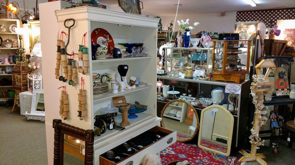 Mossy Oaks Antique Mall: 6260 SE 118th Pl, Belleview, FL