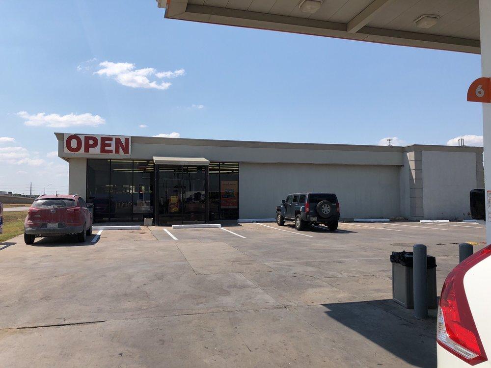 Sunmart Truck Stop: 1221 N Pecan St, Abbott, TX