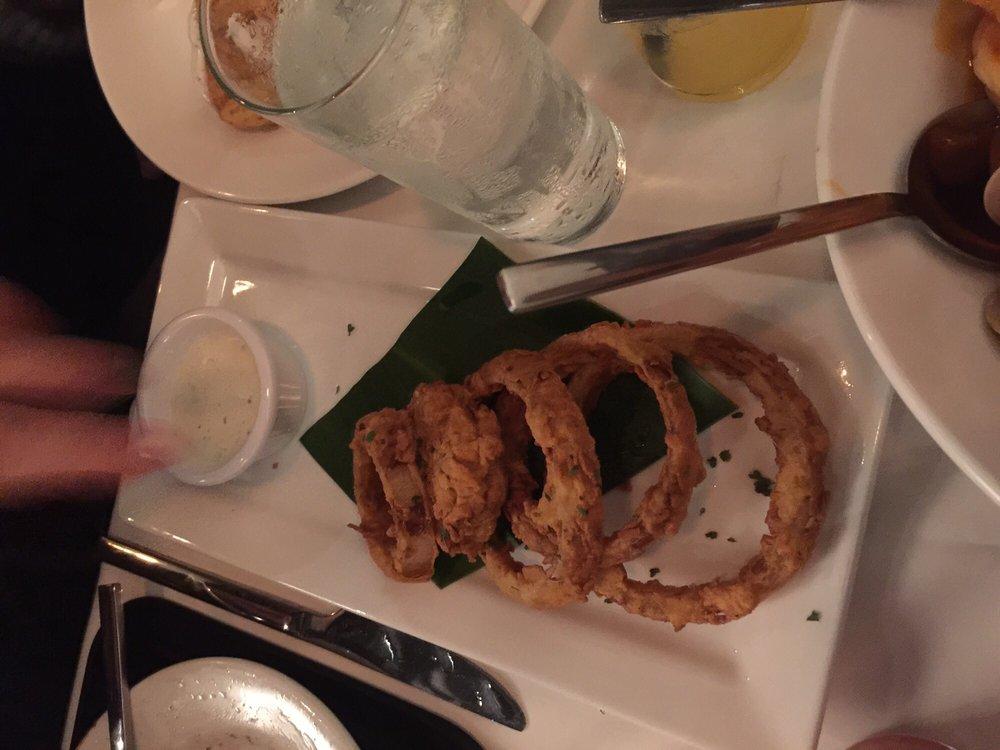 Yayas Chophouse & Seafood