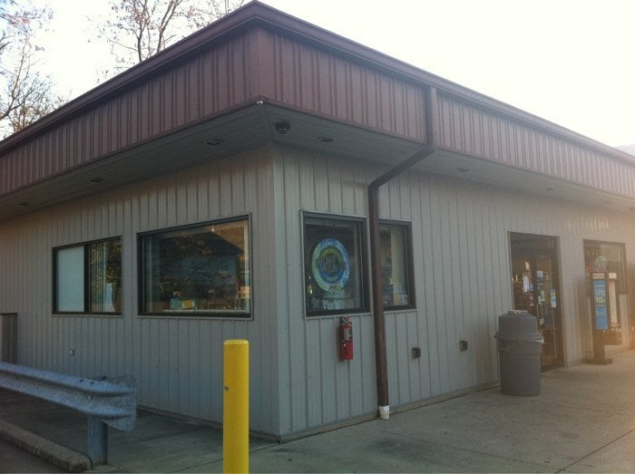Jeff's Drive-Thru & Carry Out: 1 E Main, Addyston, OH