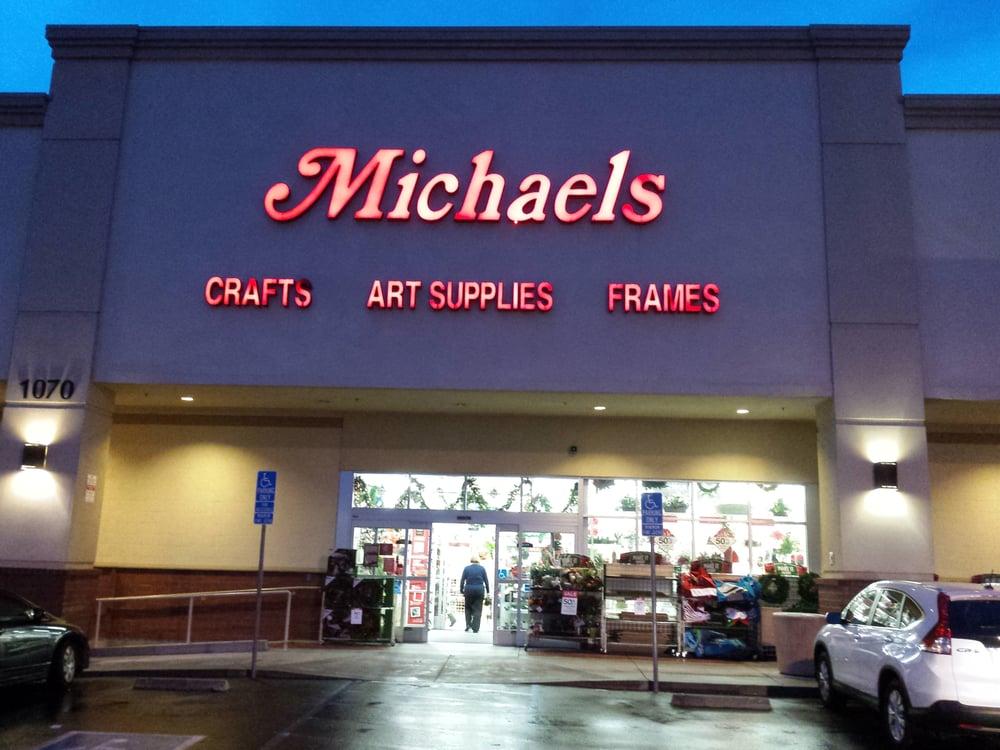 Michaels 13 reviews arts crafts 1070 hilltop dr for Michaels crafts phone number