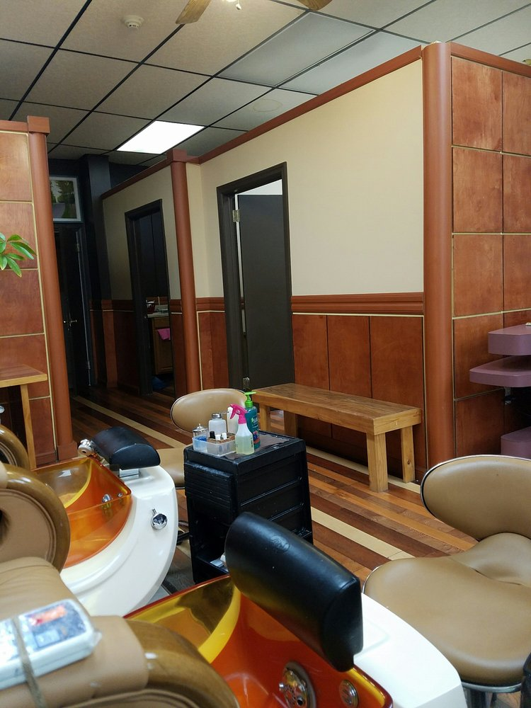 Sweet touch nail spa 14 reviews nail salons 234 for 1662 salon east reviews