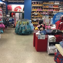 7 reviews of Disney Store