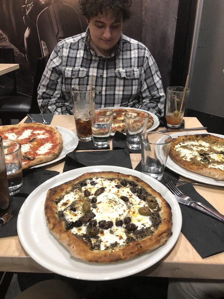 Iniga Pizzeria Napoletana: 215 W Jefferson St, Ottawa, IL