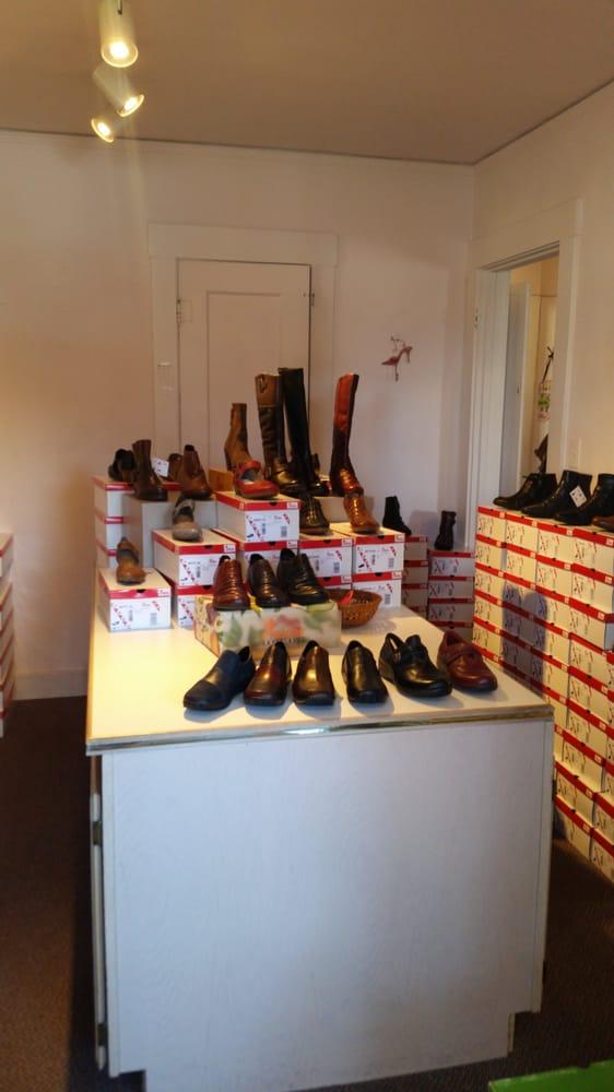 Annie S Shoes Eureka