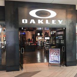 Oakley Vault Hours