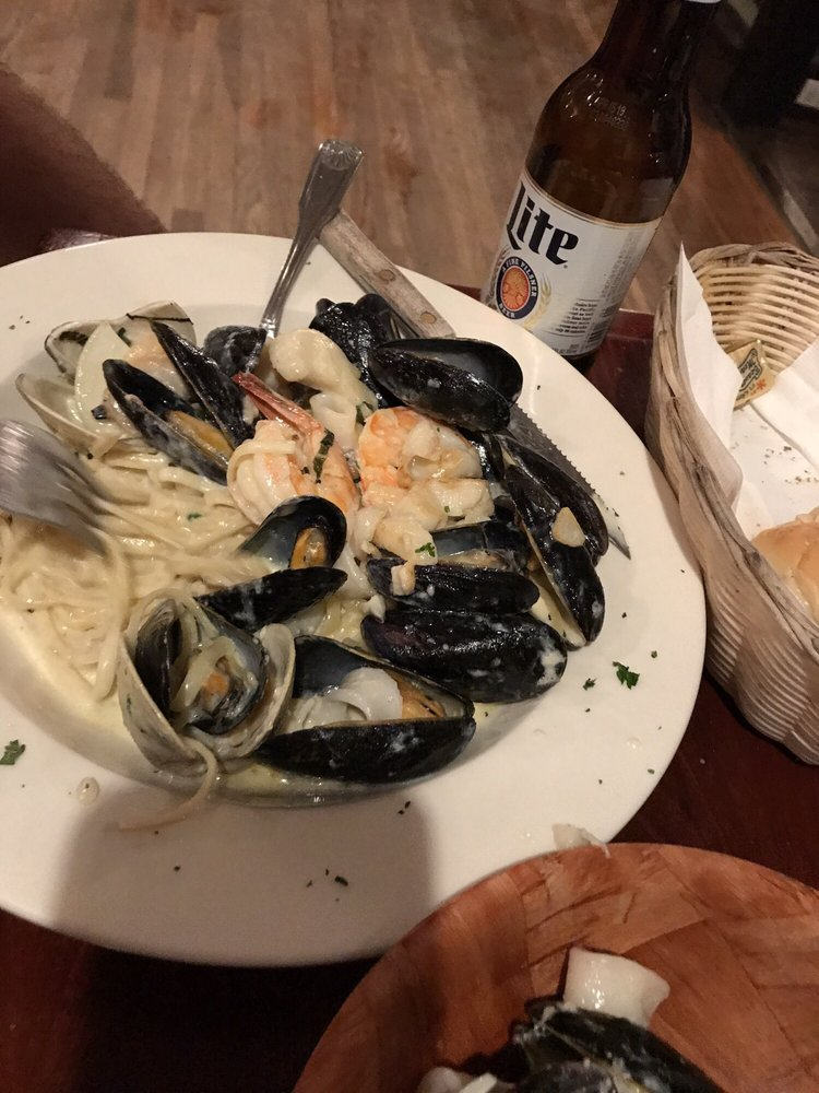 La Famiglia Bar & Grill: 110 Rt 311, Carmel, NY