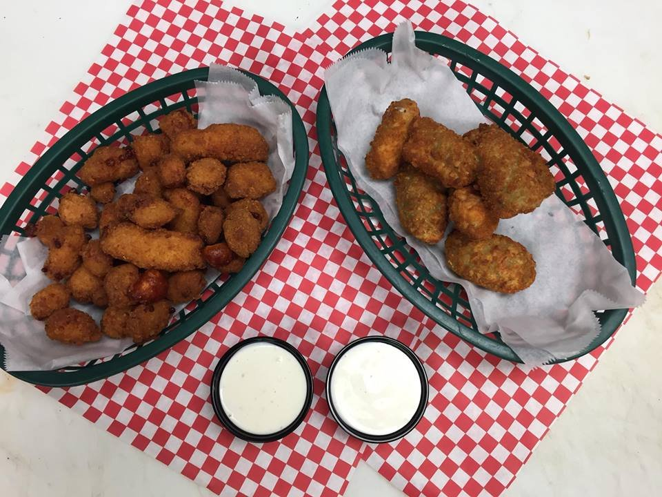 Jerseys Sports Bar and Grill: 2020 8th Ave NE, Aberdeen, SD
