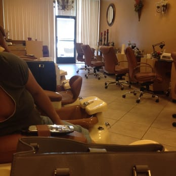 Le s nail master 151 photos 18 reviews nail salons for A salon on 51st ave
